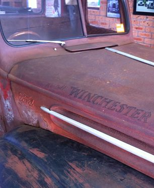 faux aged distressed car sign